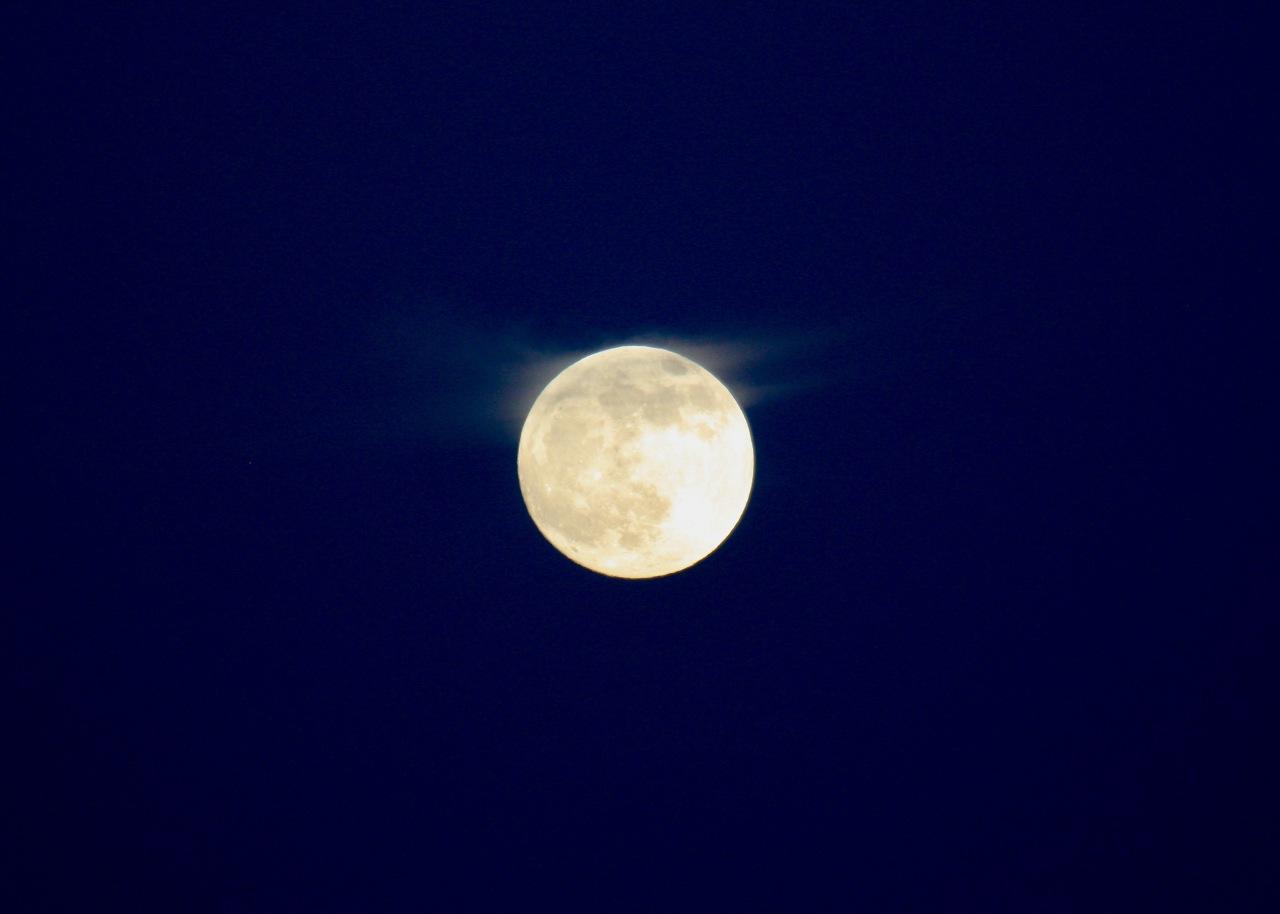 Wispy Moon RS Tucson AZ 12-2011