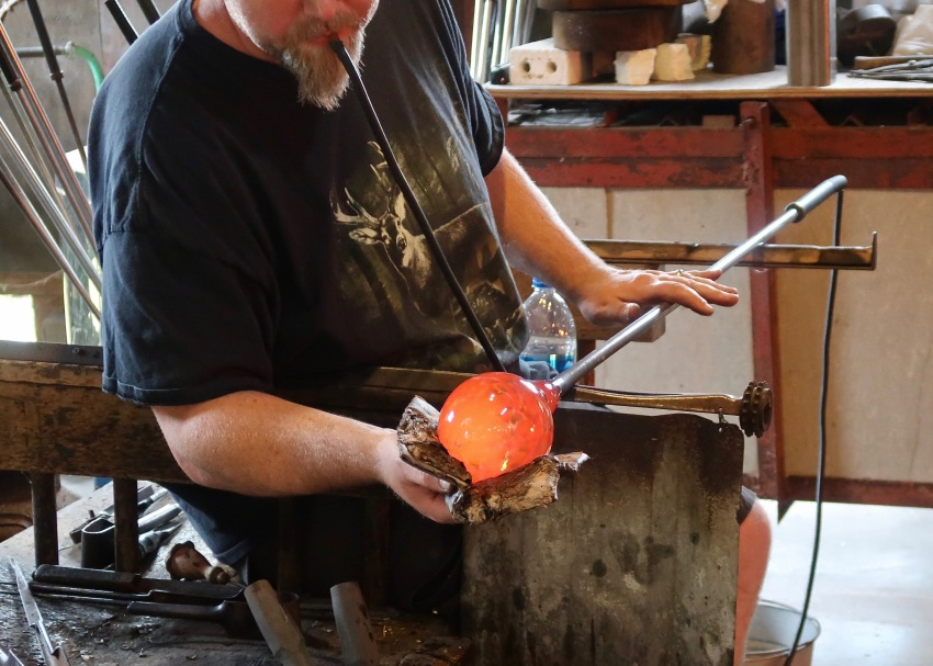 Blowing and shaping a vase