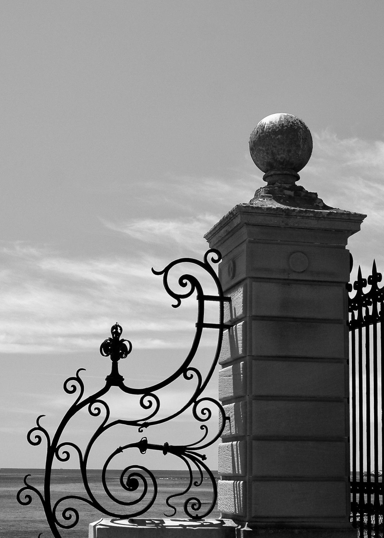 Gate Newport RI 06-2007