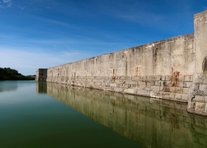 Fort Zachary Taylor, Exterior